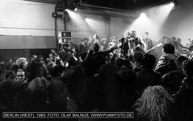 m_punk_photo_olaf-balnus_1983_605