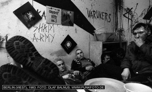 m_punk_photo_olaf-balnus_1983_608