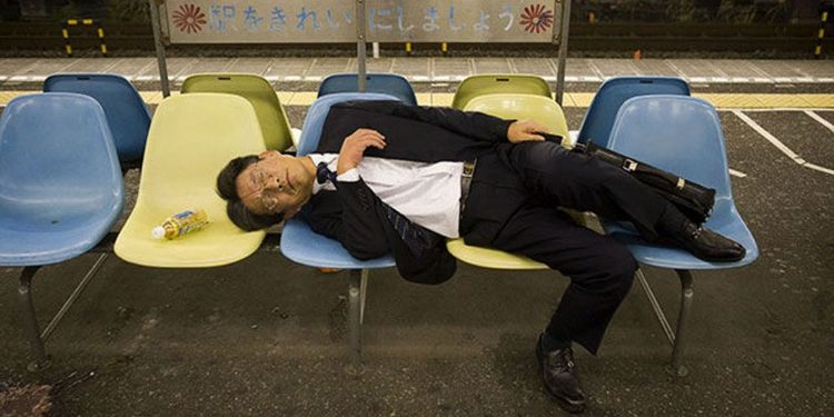 Japanese-passed-out-businessmen