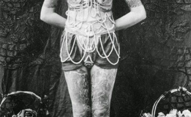 vintage-photos-women-with-tattoos-11